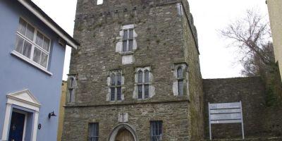 Desmond Castle & International Museum of Wine